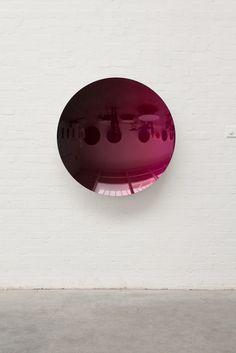 ANISH KAPOOR Mirror (Black to Magenta), 2015 Stainless steel 42 9/10 × 42 9/10 × 7 1/2 in 109 × 109 × 19 cm