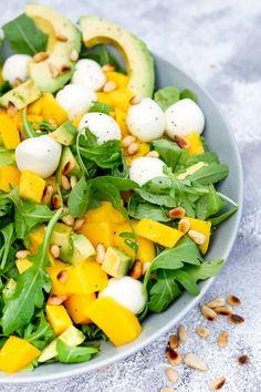 Mango Salat, Feta Salat, Guacamole Recipe Easy, Salad With Balsamic Dressing, Blueberry Salad, Blt Pasta Salads, Cooking Panda, Whole Food Recipes, Healthy Recipes