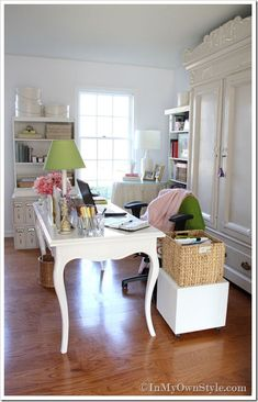 craft room.... what if I just put gorgeous white doors on the front of the oak built ins in the office??