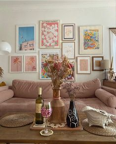 Room Ideas Bedroom, Bedroom Decor, Wall Decor, Wall Art, Dream Home Design, House Design, Deco Studio, Pastel Room, Pretty Room