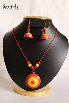 12 Awesome Paper Quilling Jewelry Designs To Start Today Quilling Necklace, Paper Quilling Jewelry, Paper Bead Jewelry, Quilling Craft, Funky Jewelry, Quilling Patterns, Quilling Designs, Jewelry Shop, Jewelry Art