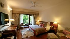 Jaypee Palace Hotel an oasis in bustling Agra: Travel Weekly