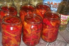 Rainbow cake in a jar Romanian Food, Romanian Recipes, Pickels, Cake In A Jar, Gabba Gabba, Temple, Rainbow, Canning, Salads
