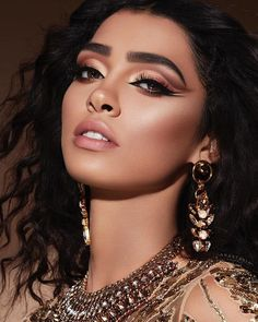 40 Best Natural Makeup Ideas For Prom Party Dramatic Makeup, Glam Makeup, Bridal Makeup, Wedding Makeup, Makeup Cosmetics, Beauty Makeup, Eye Makeup, Hair Makeup, Hair Beauty