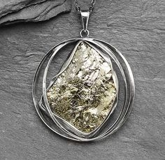 CrystalArtJewellery / Prívesok Pyrit