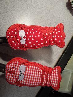 Lobster pan handle koozies - using Smartneedle Machine Embroidery Hot Handles software