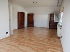 Huge single family home- lots of space! in Stuttgart