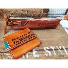 ペンケースとコインケースができた . #ペンケース#コインケース小銭入れ#レザー小物#ハンドメイド#レザークラフト#革小物#leathergoods #leatherwork