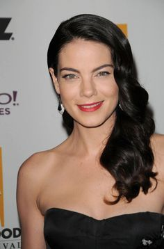 Michelle Monaghans long elegant side swept hairstyle