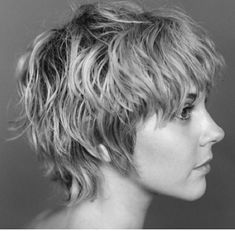 Easy Hairstyles For Short Hair Mullet Haircut, Mullet Hairstyle, Haircut Styles, Short Hair Styles Easy, Short Hair Cuts, Curly Hair Styles, Pixie Hairstyles, Pretty Hairstyles, Pixie Haircuts