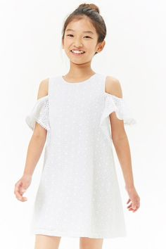 Shop the latest Girls' Rompers & Dresses at Forever Discover adorable printed swing dresses, breezy jumpsuits, denim overalls and more styles. Preteen Fashion, Kids Fashion, Fashion Outfits, Romper Dress, Baby Dress, Middle School Fashion, Cute Dresses, Girls Dresses, Moda Kids