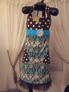 yes, it really is an apron... a gorgeous one made by Fried Green Aprons