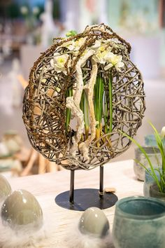 Art Floral, Long Winter, Creative Design, Flower Arrangements, Candle Holders, Creations, Easter, Candles, Spring