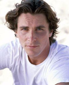 christian bale batman begins Christian Bale Hot, Batman Christian Bale, Batman Begins, British Actors, American Actors, British Men, Chris Bale, American Psycho, After Life