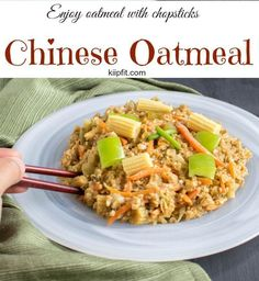 This flavorful Indo Chinese Oatmeal is absolutely delectable. Its a healthier substitute for veg Hakka noodles   V   kiipfit.com Vegan Breakfast Recipes, Delicious Vegan Recipes, Lunch Recipes, Real Food Recipes, Vegetarian Recipes, Easy Recipes, Vegan Junk Food, Vegan Comfort Food, Vegan Dinners