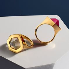 Striking Petra Cockatil #rings in #PinkQuartz and Labradorite, inspired by sculptured rock cut architecture.  #MonicaVinader #jewellery #jewelry