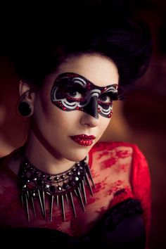 Masquerade Prom https://www.makeupbee.com/look_Masquerade-Prom_33523