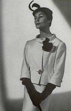 1955 Cristóbal Balenciaga
