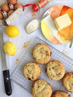Encore un dessert avec du citron cette semaine. Il faut dire que mes envies pâtissières s'alternent entre fraicheur et gourmandise. L'alliance cookie et citron-gingembre est un parfait compromis. Si on omet le côté chocolaté du biscuit, ces cookies en...