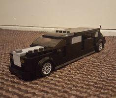 My latest moc: Rolls Royce Phantom limousine (Credits to @legocityklaas81) ------------------------------------- #Lego #Legocity #Legomoc #Legocreator #Legoafol #Afol #Legobuilder #Legogram #Legostagram #Brickstagram #Instalego #Legobricks #Legocollection #Bricknetwork #Legos #Legofan by arjan_legocitymoc