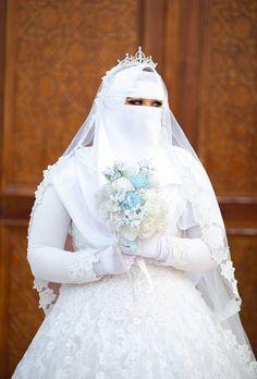 Niqab, Wedding Hijab Styles, Wedding Dresses, Hijab Fashion, Women's Fashion, Muslim Women Fashion, Muslim Brides, Beautiful Bride, Wedding Bride