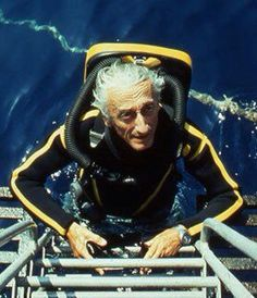 Jacques-Yves Cousteau — The legend of the world& oceans Underwater Photography, Wildlife Photography, Jacques Yves Cousteau, Pirate Games, Retro Images, Oceans Of The World, Retro Futuristic, Ocean Life, Scuba Diving