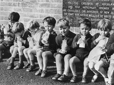 Auckland children drinking the free issue of a daily half pint of milk which was made to all New Zealand school children from 1937 to Photog. Carter Family, School Programs, Kids Health, Primary School, Auckland, Sliders, New Zealand, Growing Up, Nostalgia