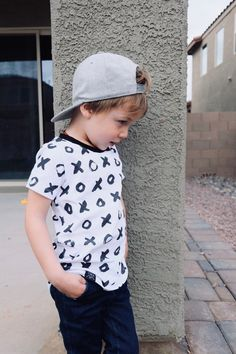 Boy Headbands, Kids Baseball Caps, Baby Boy Accessories, Boys Long Hairstyles, Baby Boy Fashion, New Outfits, Toddler Boys, Little Boys, Cool Kids