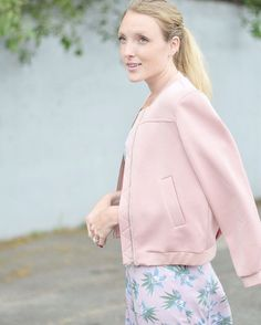I could get used to this bomber jacket trend 🙋🏼 in a blush tone + paired with floral patterns, it's the best balance of feminine + edgy 🙆🏼 @liketoknow.it http://liketk.it/2oKAM #liketkit #bostonblogger #darlingweekend