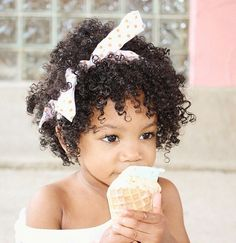 @akushikagonenatural | Curly kids. Natural kids. afro kids. curly hairstyles for kids. curly hair and bows.