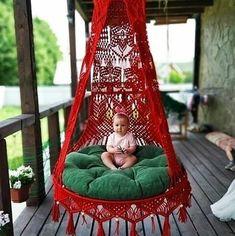 ❤Siga nosso perfil para receber dicas e fotos diariamente❤ . Macrame Hanging Chair, Macrame Chairs, Macrame Plant Hangers, Macrame Art, Macrame Design, Macrame Projects, Deco Boheme, Swinging Chair, Macrame Patterns