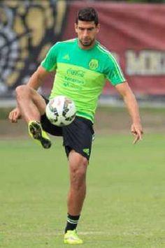 Saucedo y Osuna podrían debutar como titulares con el Tri - Criterio - La  Copa 1c1430c4099c4