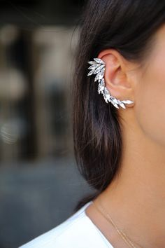 CUFF CRAZY wearing @Ryan Sullivan Sullivan Storer  ear cuff.. I'm sooo getting them!
