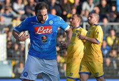 bóng đá anh: Napoli chính thức vô địch lượt đi Serie A