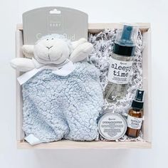 boxSMITH Modern Gifts | A contemporary twist on traditional gift baskets. Specializing in stunning curated gift boxes for every occasion including custom orders, corporate, bridal, baby and more! Custom Baby Gifts, Unique Baby Gifts, Personalized Baby Gifts, Homemade Baby Gifts, Baby Gifts To Make, Baby Gift Box, Baby Box, Newborn Baby Gifts, Baby Girl Gifts
