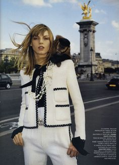vif ardent : Angela Lindvall modeling Chanel haute couture in Paris, photographed by Terry Richardson. Fashion Mode, Moda Fashion, Fashion Outfits, Womens Fashion, Female Fashion, Chanel Couture, Couture Fashion, Chanel Fashion Show, Couture Outfits