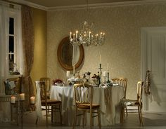 A golden Baroque style floral wallpaper wraps a dining room in luxury. Plain Wallpaper, Stone Wallpaper, Damask Wallpaper, Modern Wallpaper, Textured Wallpaper, Designer Wallpaper, Baroque, Classical Interior Design, Style Shabby Chic