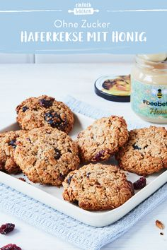 These juicy oatmeal cookies with honey are baked quickly and easily and are completely free of sugar and flour. Perfect as a snack for the kids or jus. Smoothie Recipes, Salad Recipes, Snack Recipes, Summer Desserts, Summer Recipes, Summer Drinks, Summer Salads, Biscuits, Healthy Oatmeal Recipes