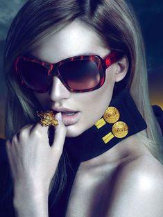 41a5acc5c Candice Swanepoel's Versace Eyewear Campaign Styliste, Lunettes Noires,  Lunettes De Soleil, Lunettes Originales