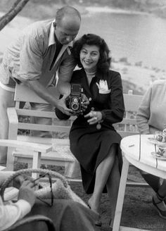 """gatabella: """"Ava Gardner in Spain, 1951 """" Old Hollywood Movies, Old Hollywood Stars, Golden Age Of Hollywood, Vintage Hollywood, Classic Hollywood, Hollywood Sign, Hollywood Icons, Classic Actresses, Beautiful Actresses"""