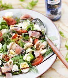 Salata #fresh cu #conopida, #prosciutto si #oua de #prepelita | #fresh #coliflower, proscuitto and #quail #egg
