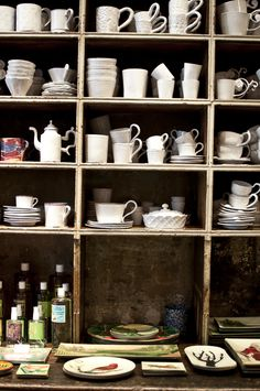The Spot for Porcelain Dish Lovers, Astier de Vilatte, Paris, France Cold Porcelain, White Porcelain, Porcelain Vase, Quality Furniture, New Furniture, Rue Saint Honoré, Wooden Closet, Paris Itinerary, Restaurant Paris