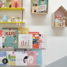 Our Booksees bookshelves are in stock!!! Available now via our online store - link in profile. Also available via select stockists across Australian & the US. This fab pic of the Booksees in action by @leoandbella #booksee #ubabub #kidsinteriors #kidsroom #interiordesign #clearbookshelves