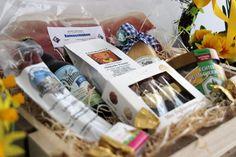 Osterkiste von Hofladenliebe   Spezialitäten aus Dithmarschen zu Ostern verschenken