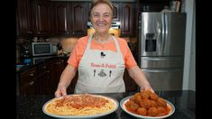 Italian Grandma Makes Meatballs (and Spaghetti) - YouTube Ground Meat Recipes, Beef Recipes, Cooking Recipes, Pasta Recipes, Meatball Recipes, Cooking Ideas, Food Ideas, Italian Chef, Italian Recipes