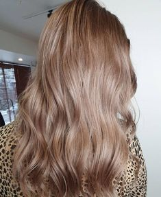 42 Beautiful Light Brown Hair Colors and Styles