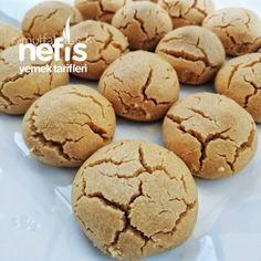 Kurabiye (Videolu Tarif) - Nefis Yemek by nefisyt My Recipes, Cooking Recipes, Cupcakes, Sweet Cookies, Good Smile, Homemade Beauty Products, Biscotti, Meal Planning, Bakery