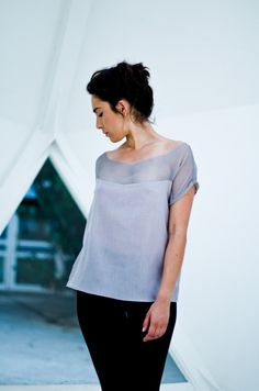 Graphic short sleeves loosefitting t shirt by UNFOLDfold on Etsy, $50.00