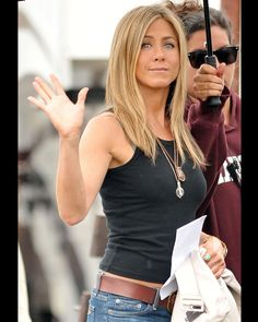 Jennifer Aniston Kicks Off Her Horrible Bosses Weekend in Sexy, Strapless Style Jeniffer Aniston, Jennifer Aniston Pictures, Jennifer Aniston Style, Jennifer Aniston Haircut, Jennifer Aniston Hair Color, Corte Y Color, Brown Blonde Hair, Beautiful Celebrities, Look Fashion
