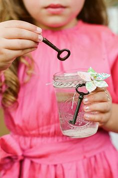 Use old keys and mason jars (and whatever other decorations you'd like) to make a cute bubble gift set!